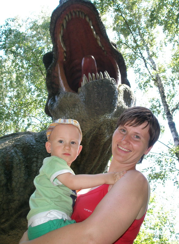 Pavlík s mámou v DinoParku